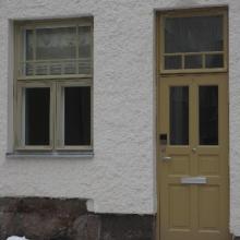 Ikkuna ja ulko-ovi kiinteällä ylaikkunalla