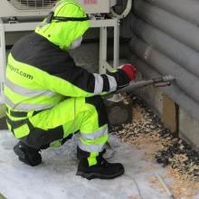 Alapohjan lisäeristäminen puhallusvilla eristeellä (puukuitu)